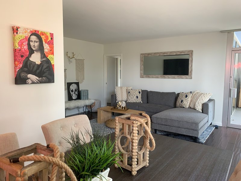 2BR|2BA Condo Near the Beach, holiday rental in Santa Monica