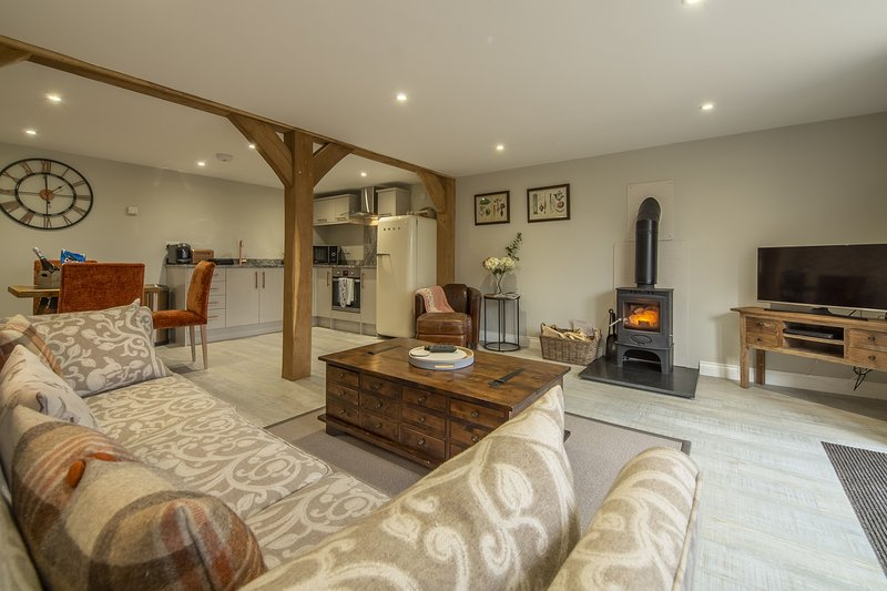 The Woodshed at Green Valley Farm, holiday rental in Heveningham