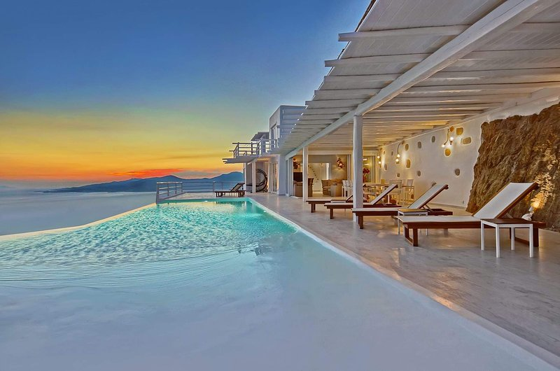 BlueVillas | Villa Concordia | Private infinity pool & bar for friends or family, vacation rental in Mykonos Town