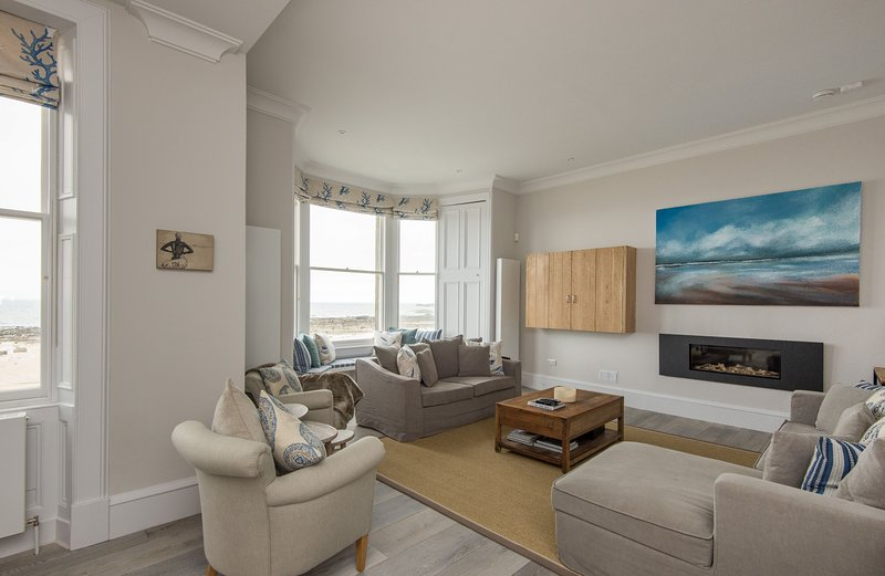 The Beach House, holiday rental in North Berwick