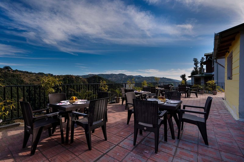 Dream cottage 1 by Vista Rooms, holiday rental in Mukteshwar