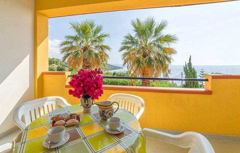Bilocale soppalcato sul Mediterraneo, vacation rental in Sciacca