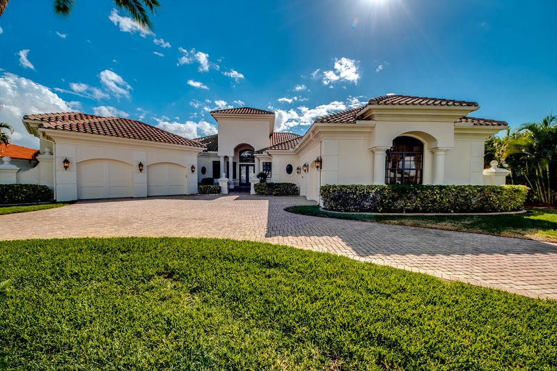 Luxury Vacation Home - Villa Caloo River Front, Ferienwohnung in Cape Coral