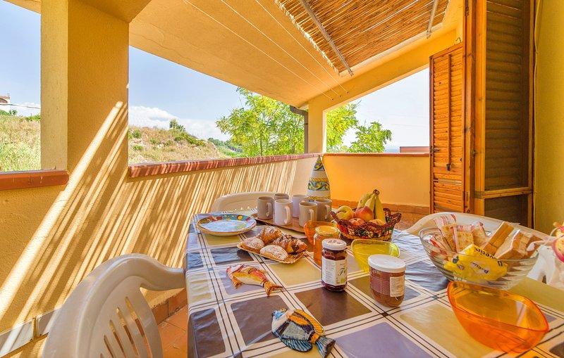 Baiarenella Residence Mare 6/8 Ospiti-Parking Free, holiday rental in Localita Rogana I