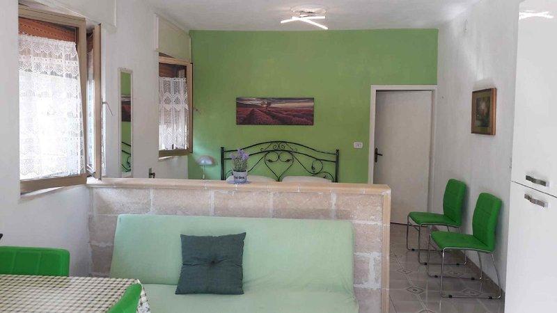 Mono Spiaggia Li Pali, holiday rental in Torre Pali