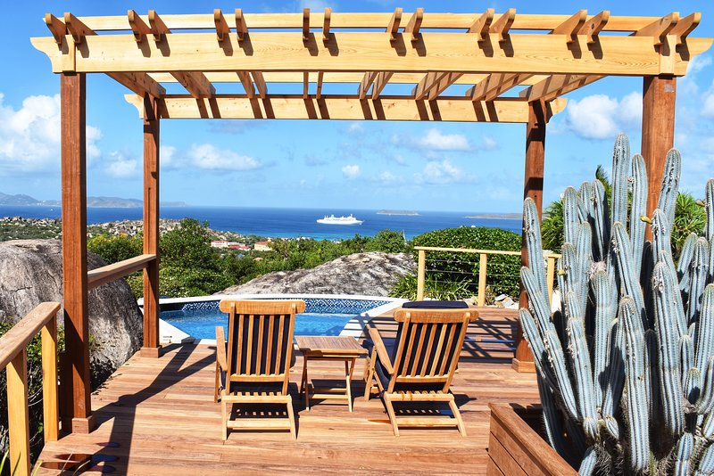 Villa Somoya - 360 Views, Newly Renovated & New Pool, holiday rental in Little Trunk Bay