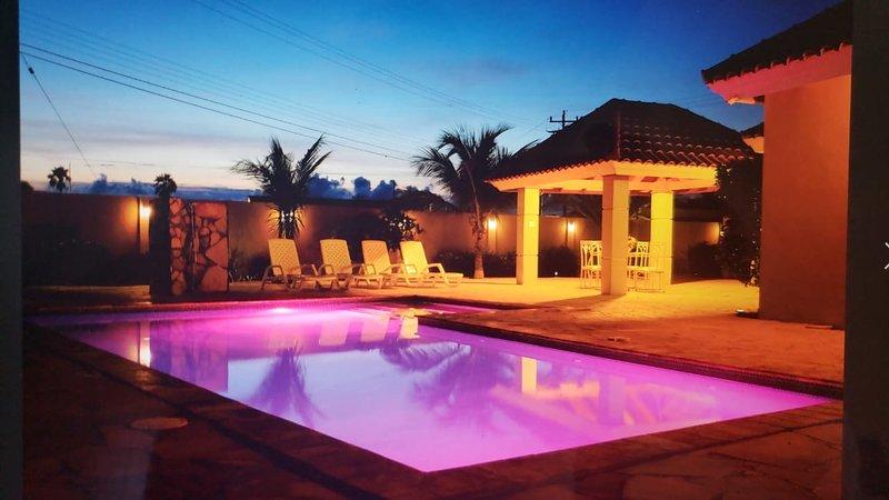 PALM BEACH LUXURY HOME ARUBA, alquiler de vacaciones en Noord
