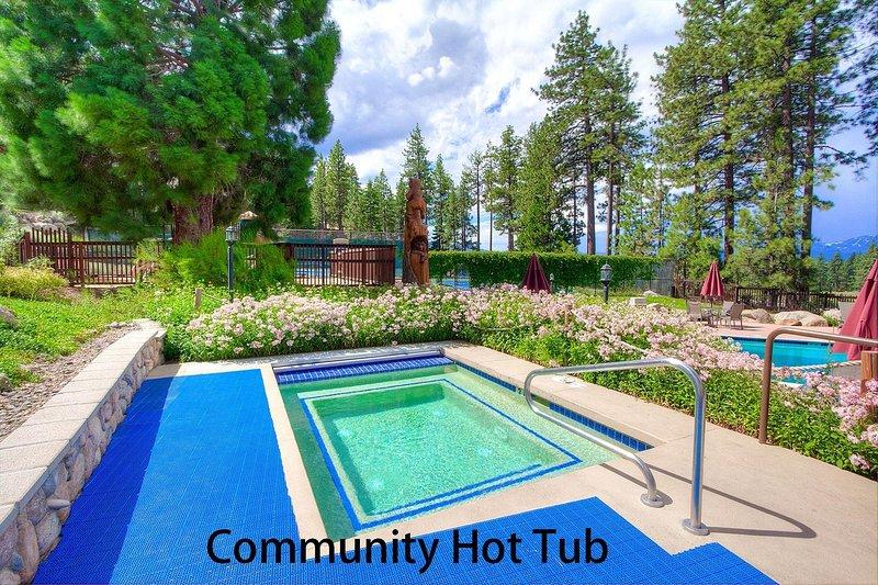 Agua, piscina, aire libre, jardín, edificio