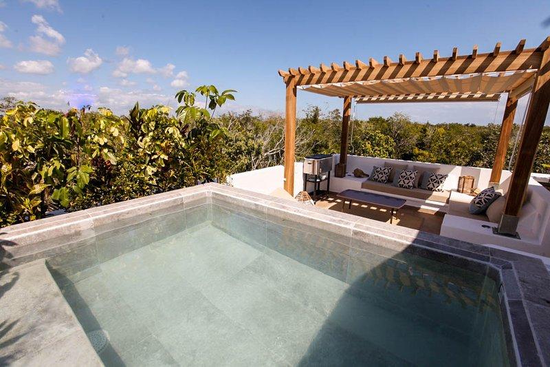 Villa Quetzal with Private Pool and Jungle views! at Aldea Zama, alquiler de vacaciones en Tulum Beach