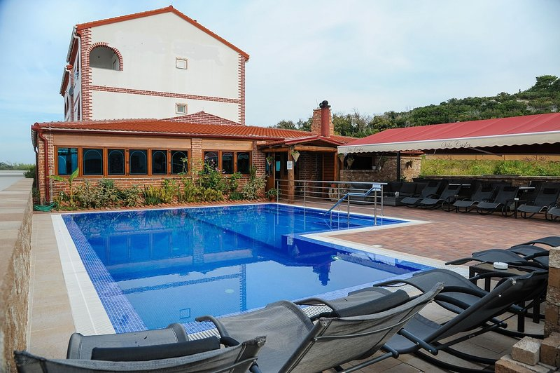 BRANO - with swimming pool A9(8+2) - Novalja, holiday rental in Caska