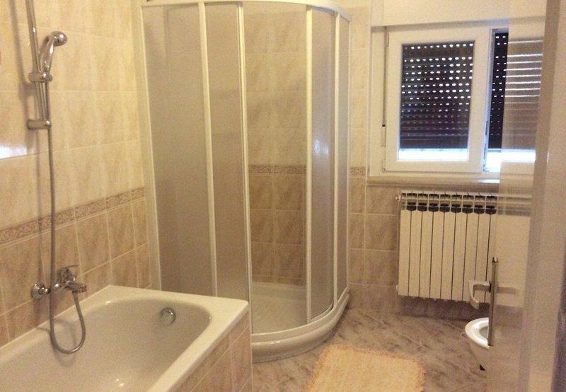 A1 (5): baño con inodoro