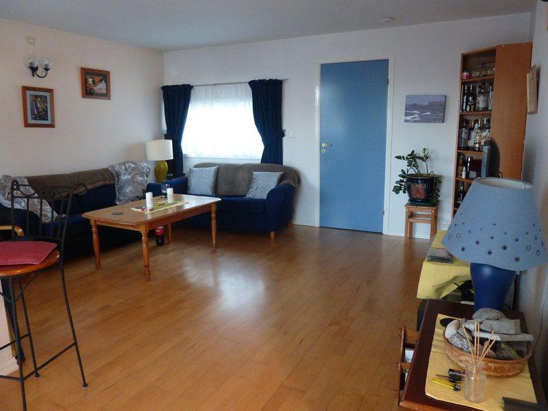Amplio y confortable salón