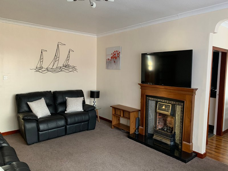 Snug - Sommerville Apartment, holiday rental in Rosneath