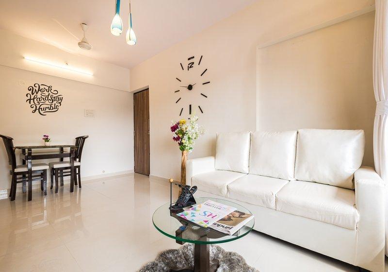 Modish 1 BHK Suite, alquiler de vacaciones en Thane
