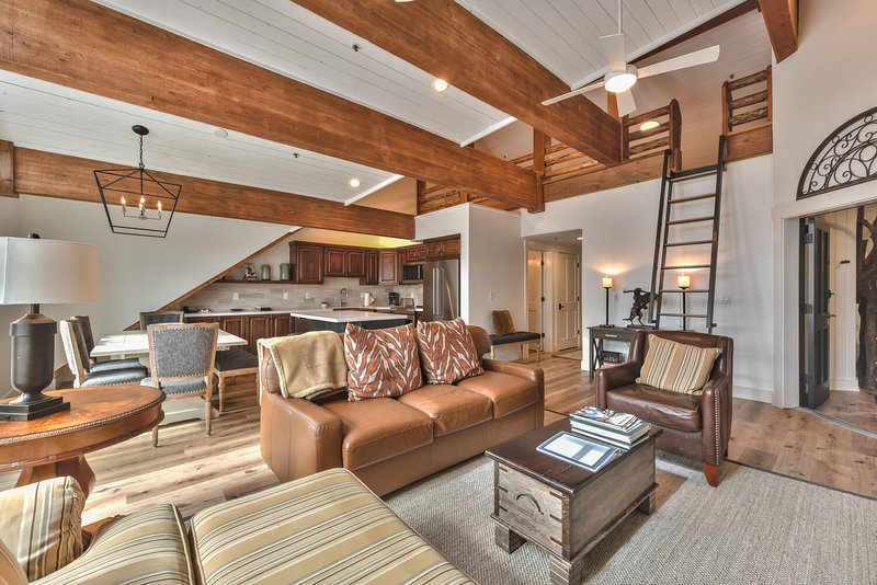 Deer Valley Black Bear Penthouse A, holiday rental in Park City