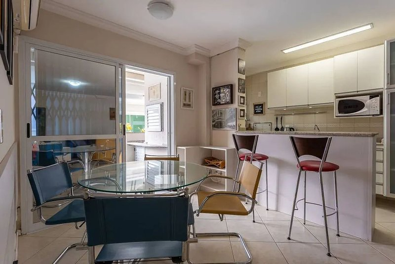 Apto férias em família perto mar Jurerê CHR101, aluguéis de temporada em Santo Antônio de Lisboa