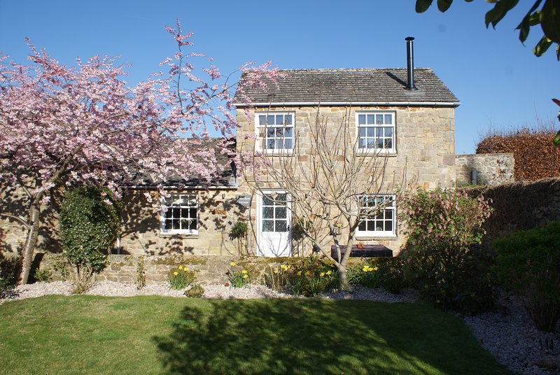 White Rose Cottage, Constable Burton: Leyburn: Woodburner: Quiet: FreeWifi EVCP, casa vacanza a Leyburn