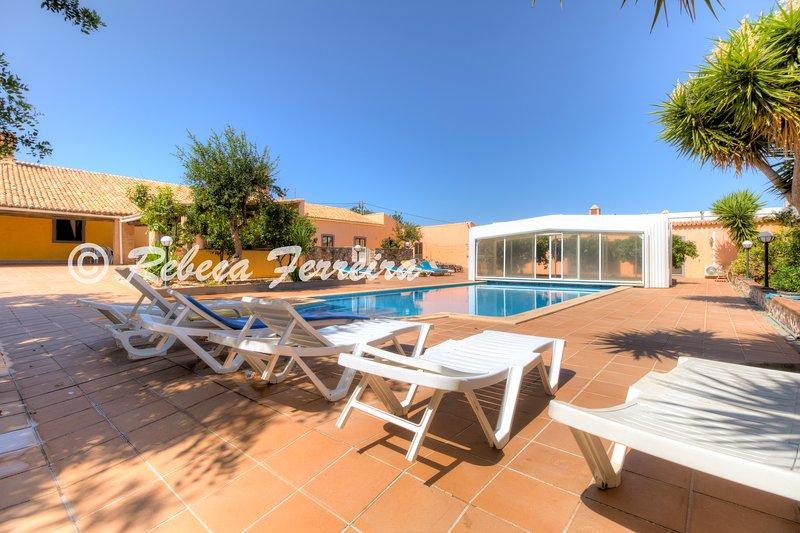 Countryvilla- con 7 dormitorios, piscina cubierta de agua salada, casa vacanza a Espargal