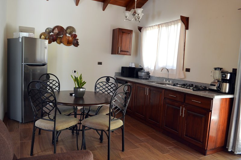 Villas San Fernando - Villa Caroline - Cerca de Dominical, aluguéis de temporada em Guapil