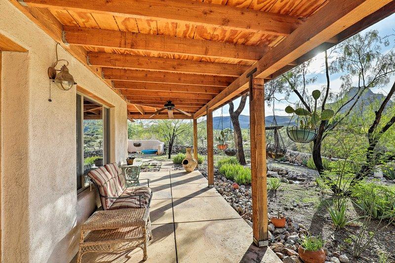 Détendez-vous et profitez de la vue depuis le grand patio.