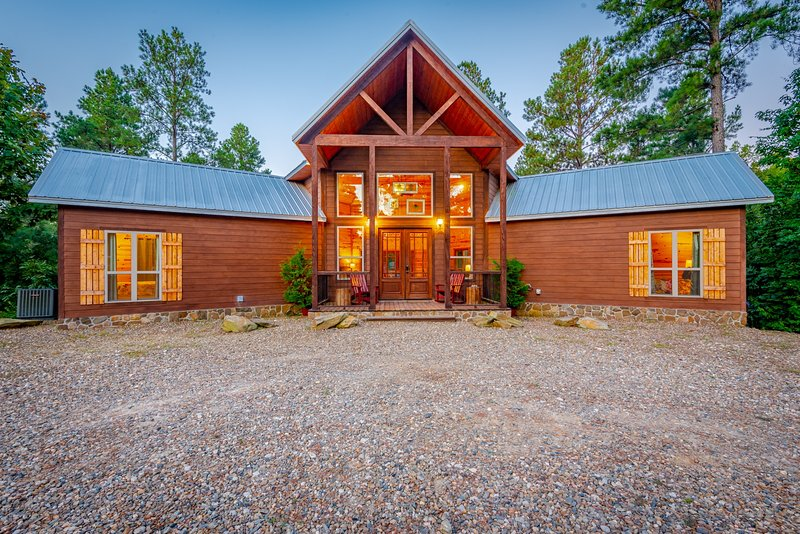 Stained Glass Hill, holiday rental in Eagletown