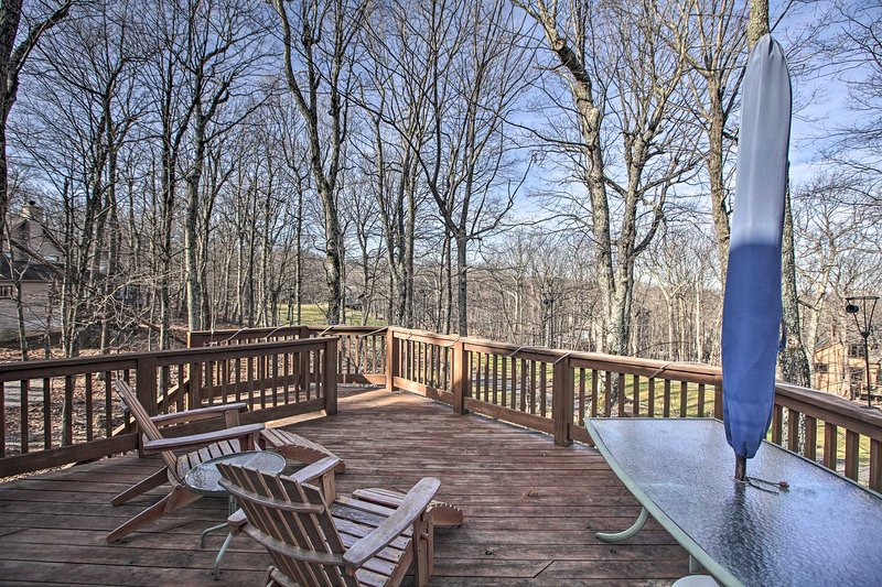 Upscale Wintergreen Resort Home w/Golf Course View, holiday rental in Lyndhurst