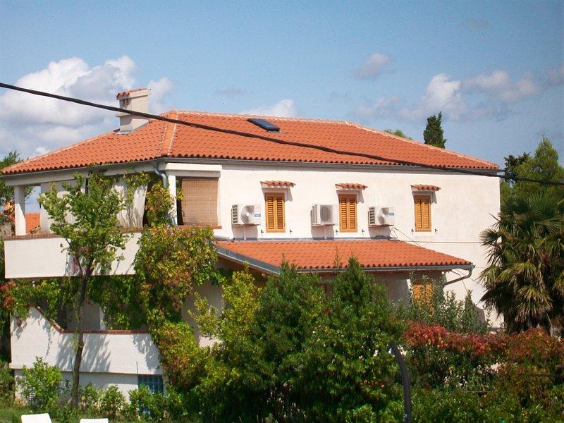 Studioapartment 4827-4 für 2 Pers. in Nerezine, vacation rental in Nerezine