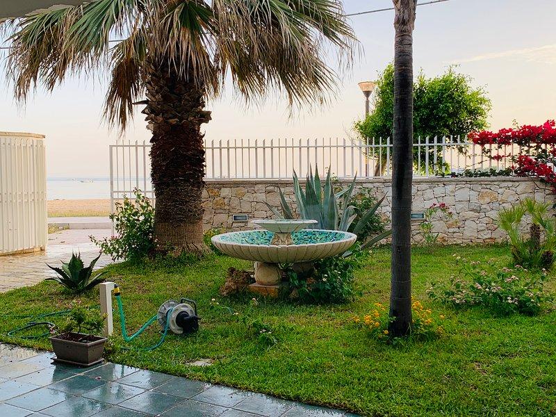 CASA VACANZE SULLA SPIAGGIA A PORTO CESAREO, vacation rental in Porto Cesareo