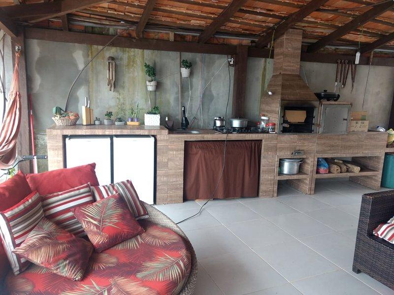 Belíssima casa com piscina e vista para o mar, alquiler de vacaciones en Picarras