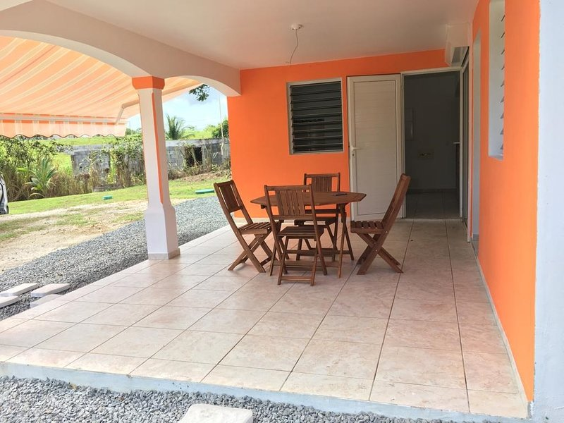 Nice house with swimming-pool, holiday rental in Douville