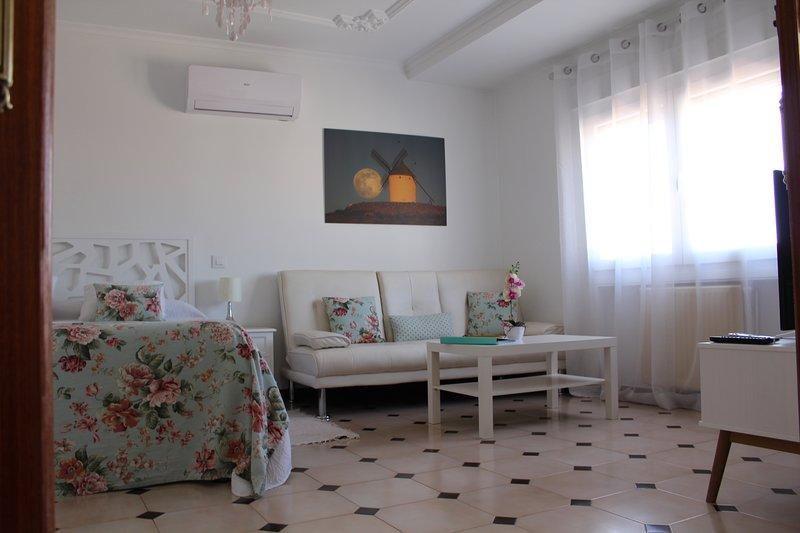 APARTAMENTOS ONCEMOLINOS (BOLERO), location de vacances à Urda