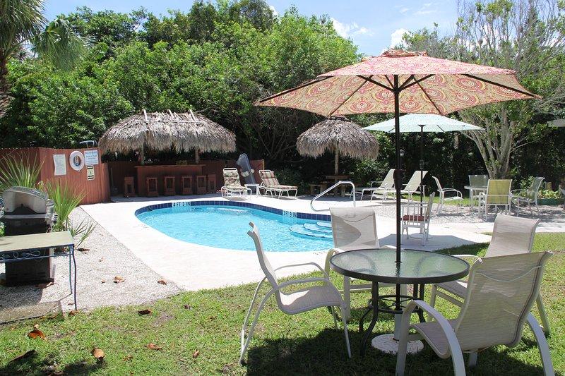 Beach Place Pool, Bar Tiki, Churrasco