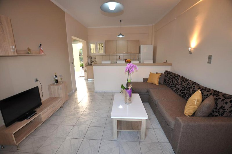 Modern Apartments and Studios close to the beach and the resort centre, holiday rental in Roda
