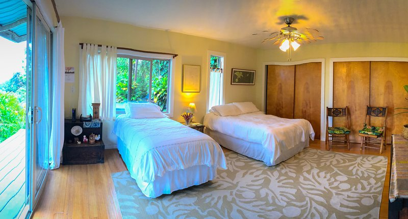 Sunset Suite w/ Ocean View -  Big Island Farmstay, holiday rental in Honaunau