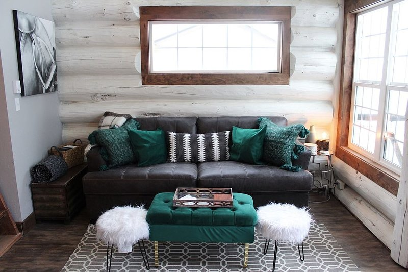 Furniture,Couch,Rug,Window,Ottoman