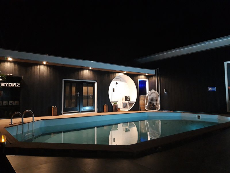 BYONZ Luxe gastenverblijf/ B&B met wellness in Groningen, location de vacances à Norg