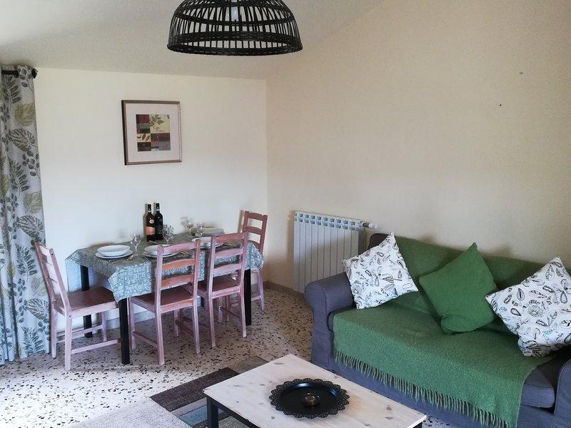 Le Farfalle Abruzzo - Farmhouse with pool near Casoli, holiday rental in Casoli