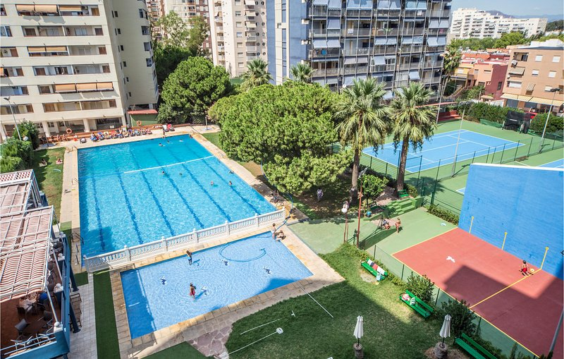 Awesome apartment in Puebla de Farnals with Outdoor swimming pool, Outdoor swimm, casa vacanza a Pucol