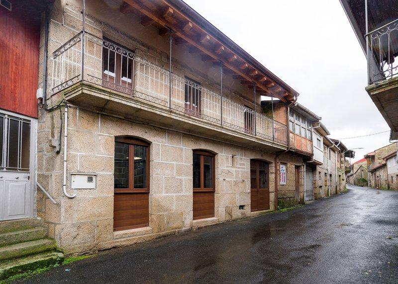 Gran Casiña Rural Queimada, holiday rental in Cenlle