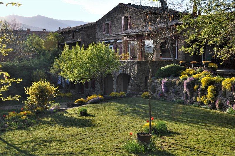 Chambre d'hôtes de Thoree, vacation rental in Le Peage-de-Roussillon