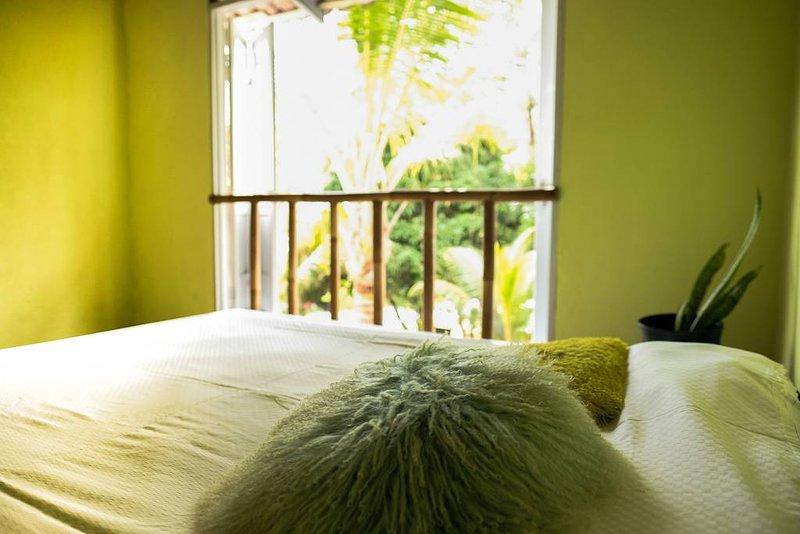 Convenient rooms and cabins, entrance of Ojochal, vacation rental in Coronado