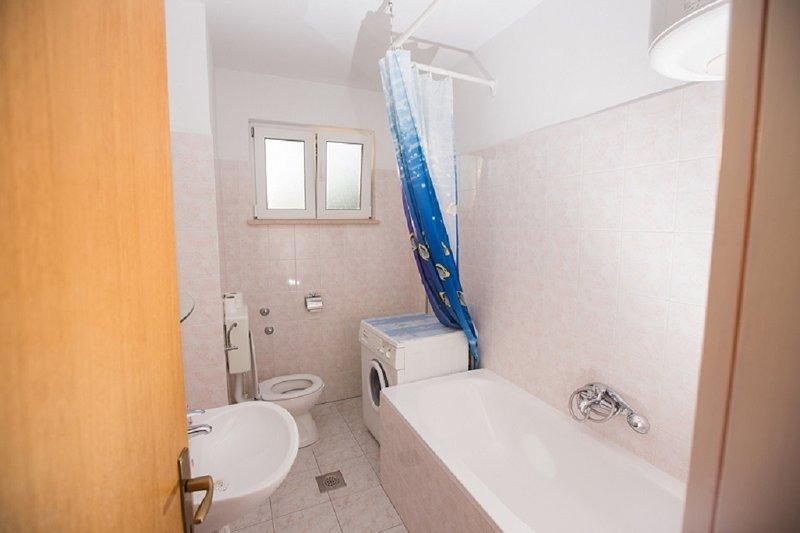 A2 Vila Jadrana (2 + 2): bagno con WC