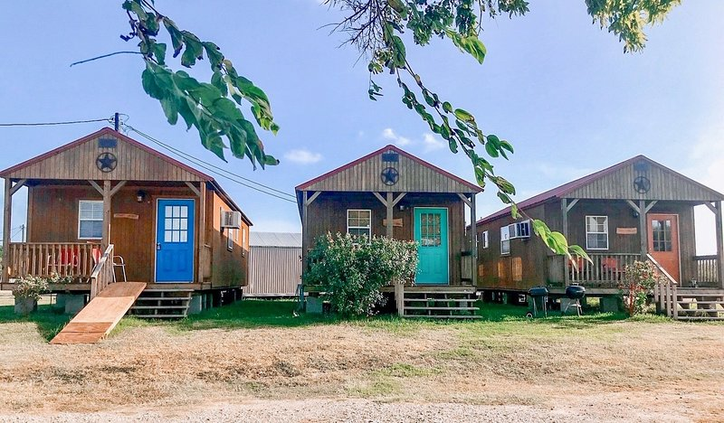 JJB Cabins (Fishin Mission), location de vacances à Matagorda