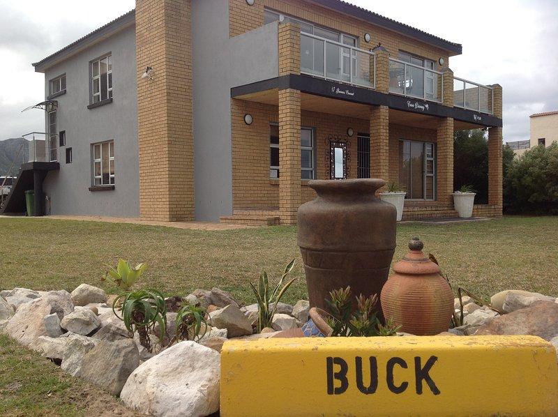 Casa Dianay Luxury Self Catering, location de vacances à Rooiels