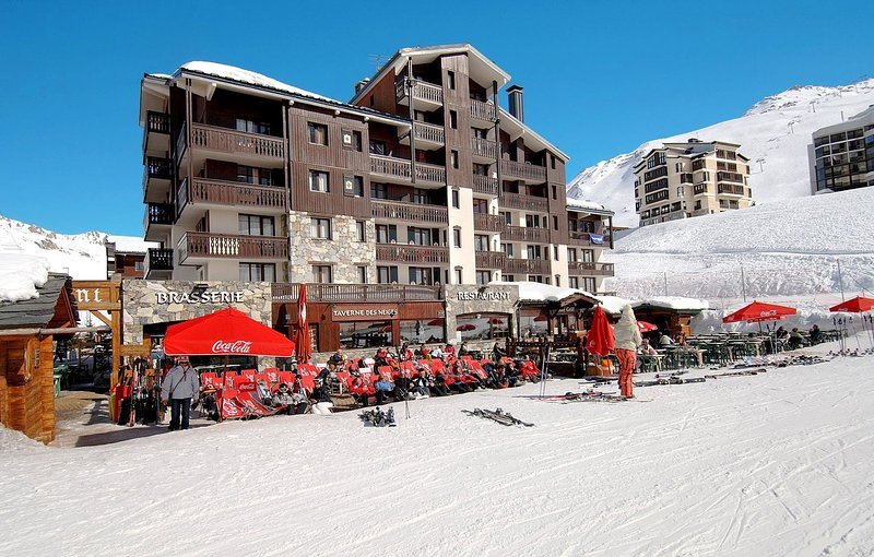 Affordable Studio At The Foot Of The Slopes! TV + Wi-Fi access Chalet in Tignes