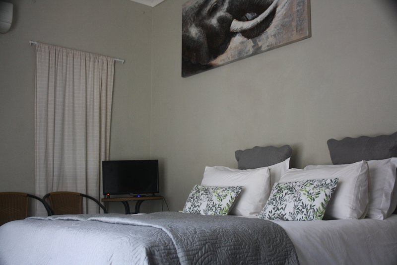 Gecko Cottage Annex Guest Room with EnSuite, vacation rental in Malelane