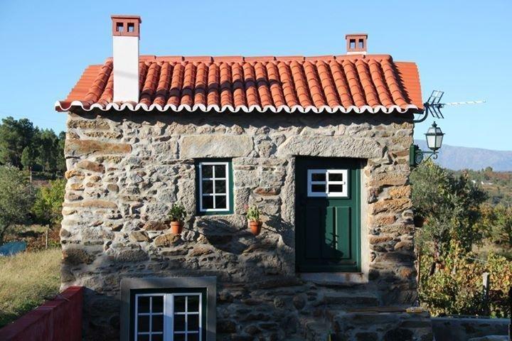 Nice house with garden & terrace, vacation rental in Unhais da Serra