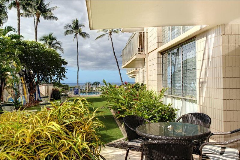 Oceanfront Condo By Kam 1 & Kam 2 Beaches - Kamaole Nalu #102, vacation rental in Kihei