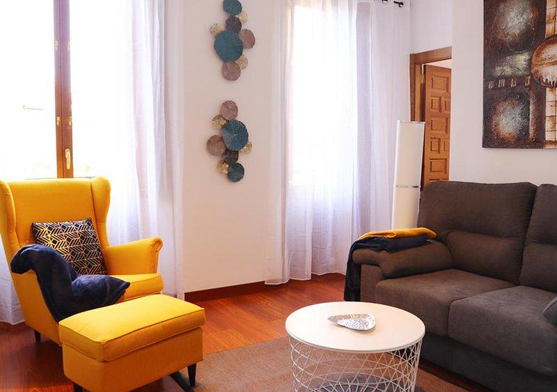Apartamentos Deluxe & Suits Catedral, holiday rental in Puerto-Lopez