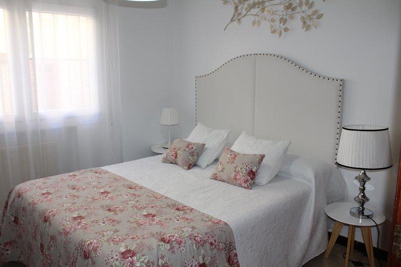 APARTAMENTOS ONCEMOLINOS (MAMBRINO) 5 PERSONAS, location de vacances à Urda